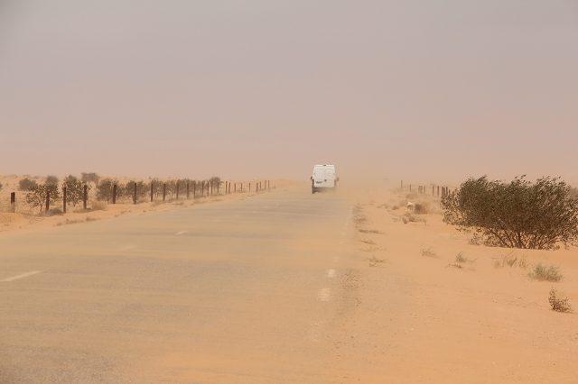 Sandsturm auf dem Weg nach Tataouine